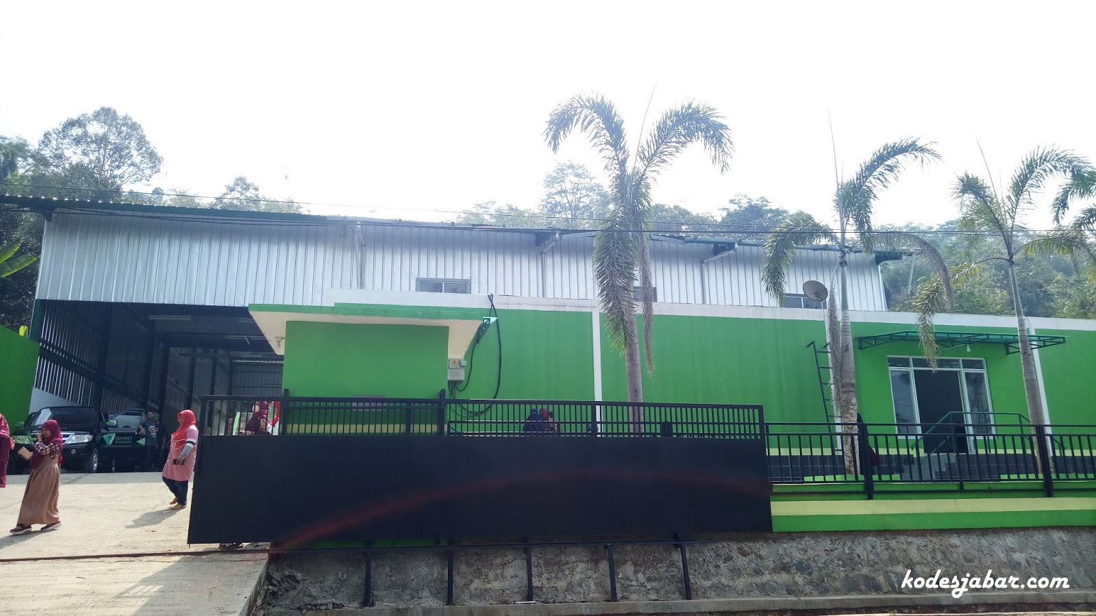 Rumah Industri Nanas di Desa Cirangkong Subang