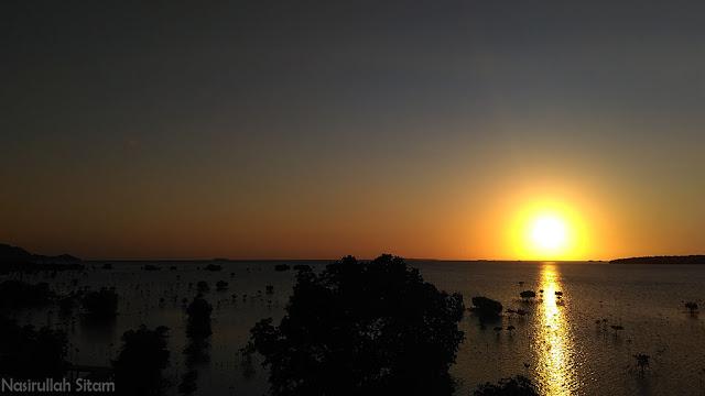Momen sunset di Mangrove Karimunjawa