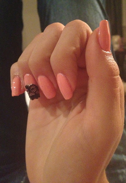 lace-accent-nail-opi-selena-gomez