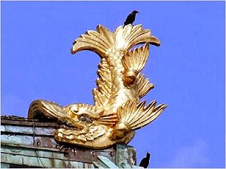 โลมาทองบนยอดปราสาทนาโงย่า (Nagoya Castle)