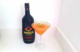 How to make a passionfruit martini