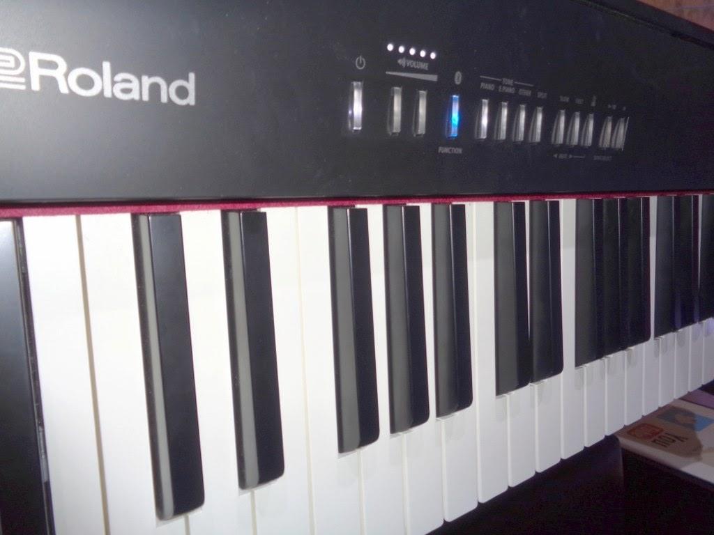az piano reviews review roland fp30 digital piano august 2018. Black Bedroom Furniture Sets. Home Design Ideas
