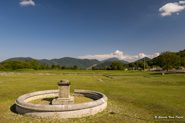 Saint Bertrand de Comminges, Monumento Circular por El Guisante Verde Project
