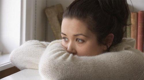 Pasti Sakit Lihat Cowokmu Curi-curi Pandang Ke Cewek Lain, Jangan Tinggal Diam, Lakukan 6 Hal ini Biar Dia Juga Merasakannya