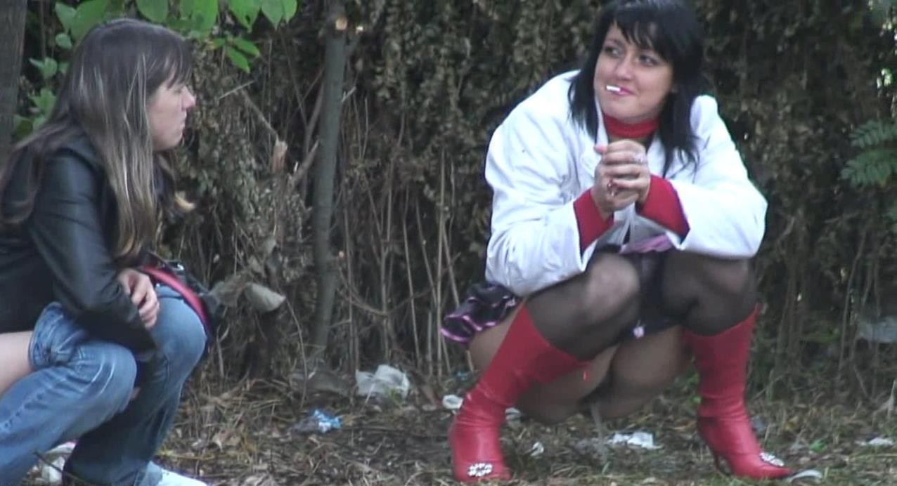 Девчонки писают подсмотренное, трансвеститы проститутки владимир