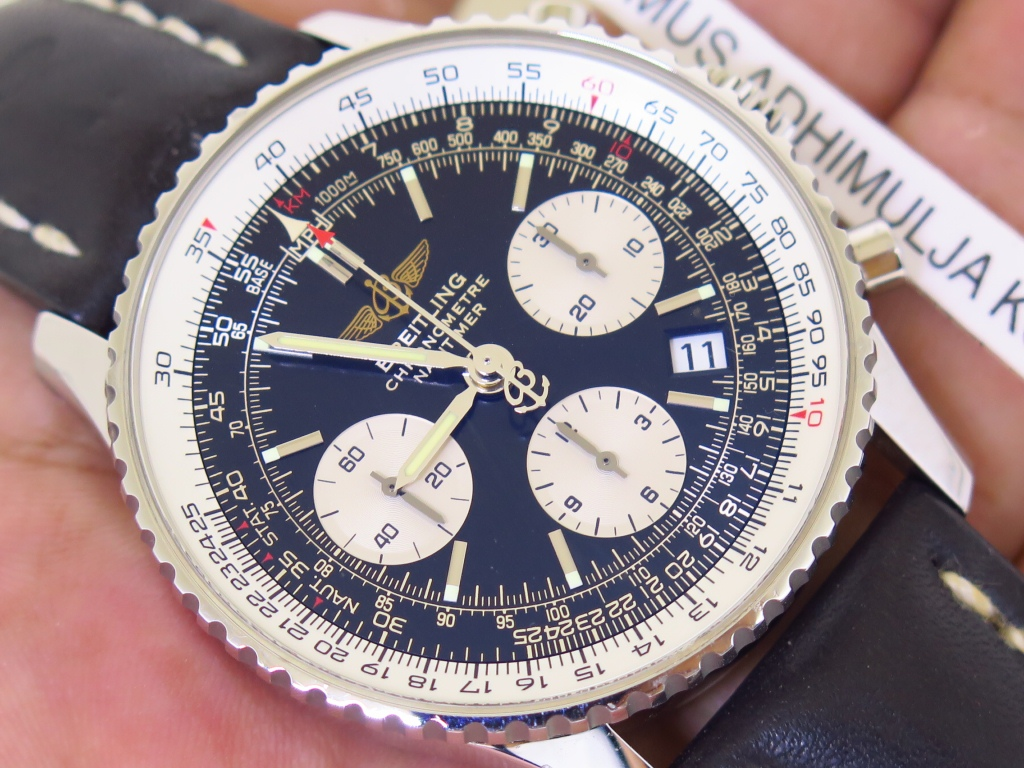BREITLING NAVITIMER CHRONOGRAPH BLACK DIAL - AUTOMATIC