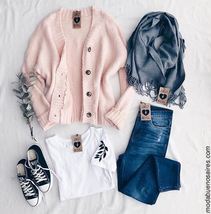 Saco tejido delicado rosa invierno 2019 precios. Moda invierno 2019 mujer argentina. Pantalones de jeans, babuchas, buzos, sweaters, sacos tejidos, remeras, ropa de mujer 2019 con precios argentina.