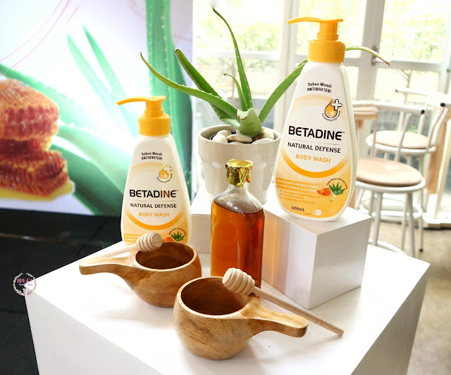 Betadine Natural Defense Body Wash Manuka Honey