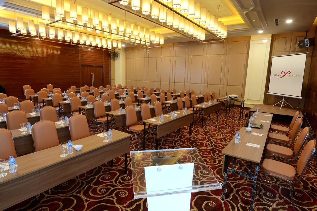 Grand Paragon Hotelterletah di jantung Kota Jakarta, Indonesia