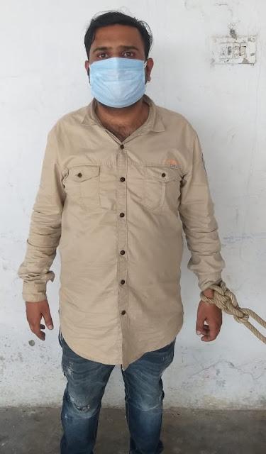 कानपुर नगर के स्वाट टीम व बाबूपुरवा पुलिस संयुक्त टीम द्वारा अवैध रूप से छुहारे को अपमिश्रित/परिसोधित करने वाली फैक्ट्री का अनावरण कर अभियुक्त को गिरफ्तार  किया