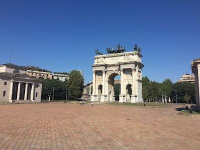 Arco della Pace Platz Mailand leer