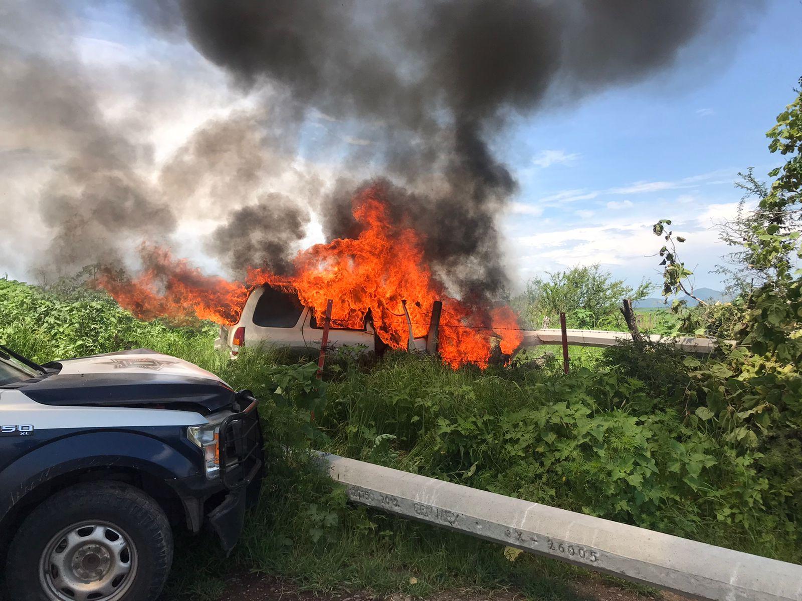 Ratero murió calcinado tras chocar contra un poste en Tlajomulco de Zúñiga; Jalisco