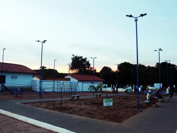 Prefeitura de Oeiras inaugura praça no Conjunto Verde Teto, na Rodagem de Picos