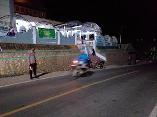 Briptu Umar Melaksanakan Pengamanan Sholat Tarawih Di Masjid At Taqwa Sossok