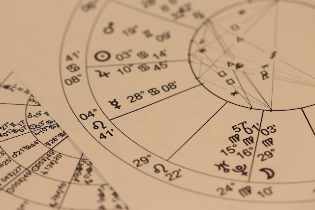 占星術とは?占星術の歴史と目的について詳しく解説!
