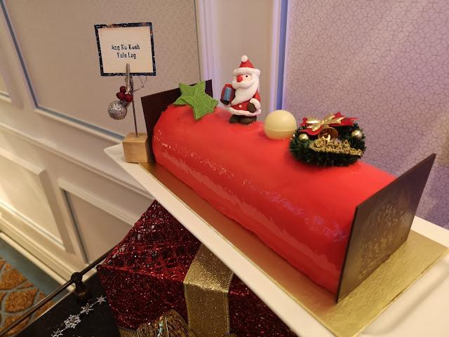 Ang Ku Kueh Log Cake