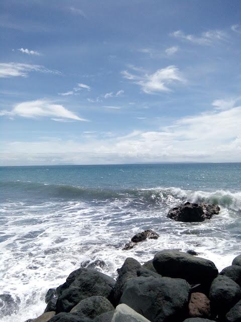pantai dampar lumajang