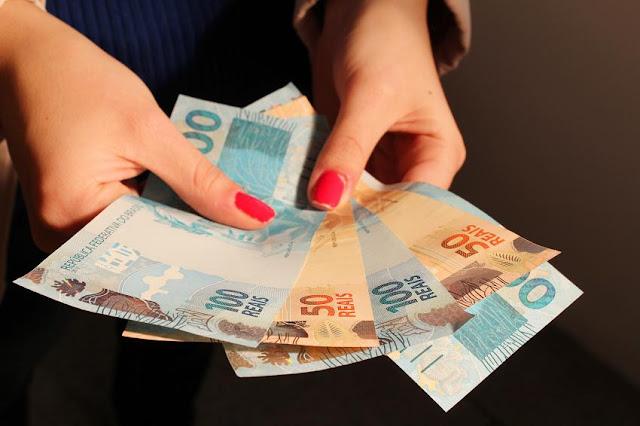 Saque do dinheiro das contas inativas do FGTS começa em março