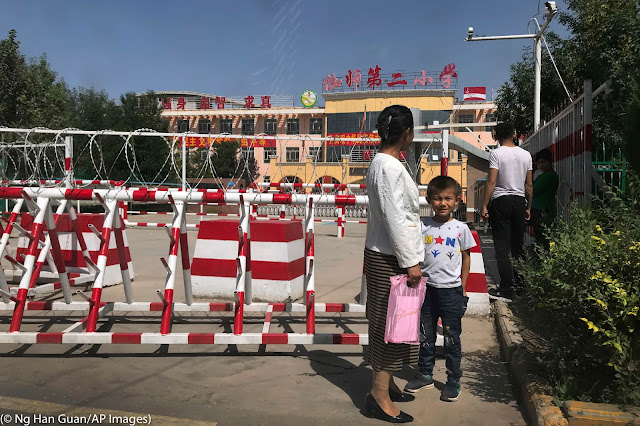 MUNDO: China destruye las raíces de los niños uigures.