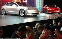Mobil Listrik Tesla Model 3 Diluncurkan Seharga 35.000 USD