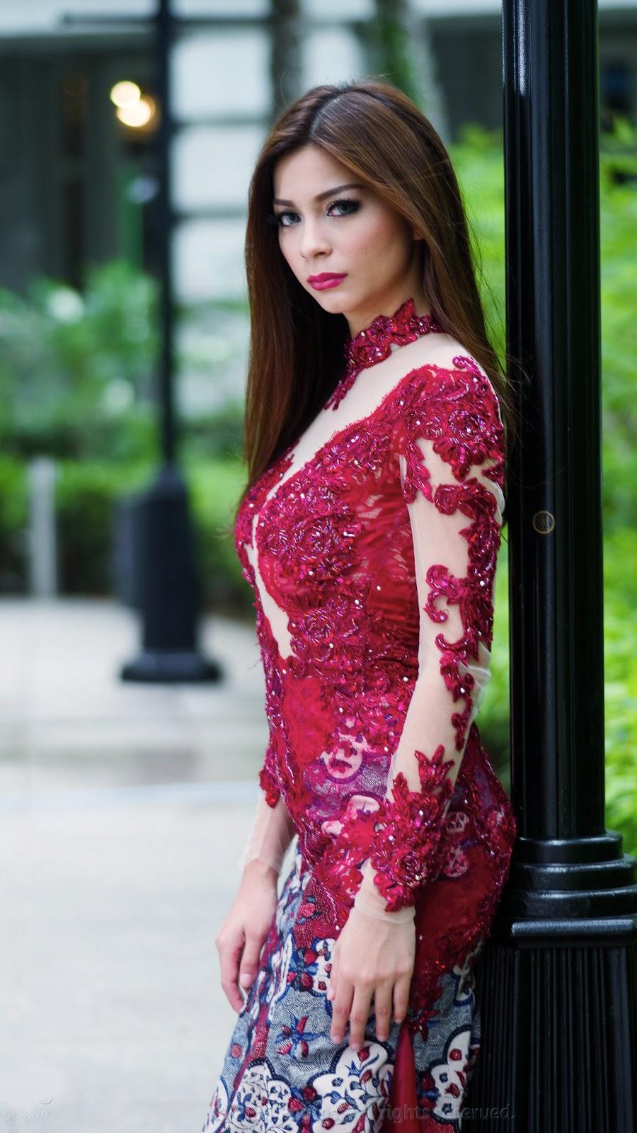 Wallpaper HD Presenter Sandra Olga cewek mansi Tradisional manis dan imtu seksi hot