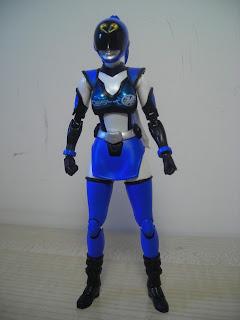 SH Figuarts Akiba Blue 01
