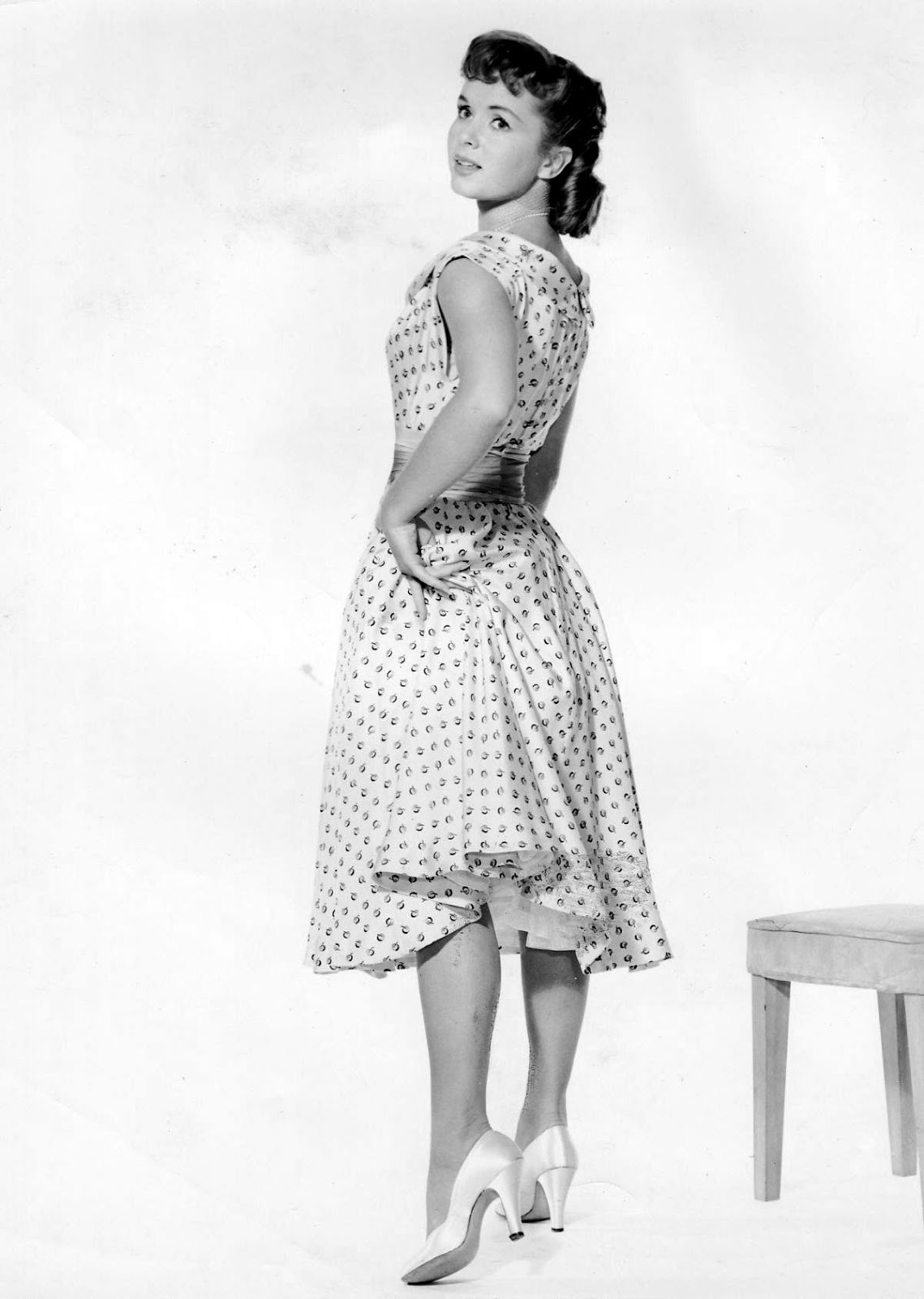 40 Wonderful Black and White Portrait Photos of Debbie Reynolds in the 1950s and 1960s ~ vintage ...
