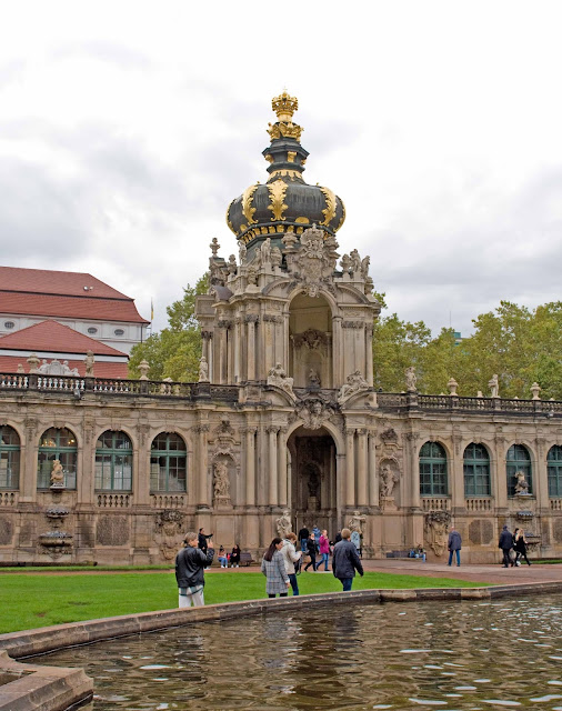 brama koronna Zwinger, Drezno, centrum miasta, kompleks