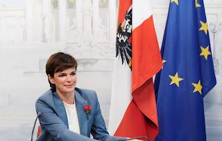 رئيسة,الحزب,الاجتماعي,تقترح,تعميم,قسائم,المطاعم,على,كل,النمسا