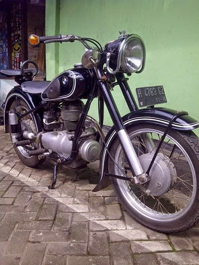 Dijual motor bmw r25