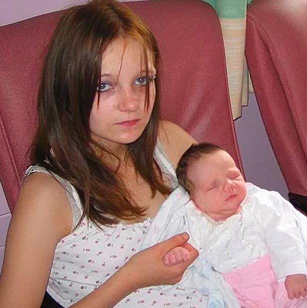 Ingiltere'nin en genc annesi 10 yasinda hamile kalip 11'inde dogurdu!