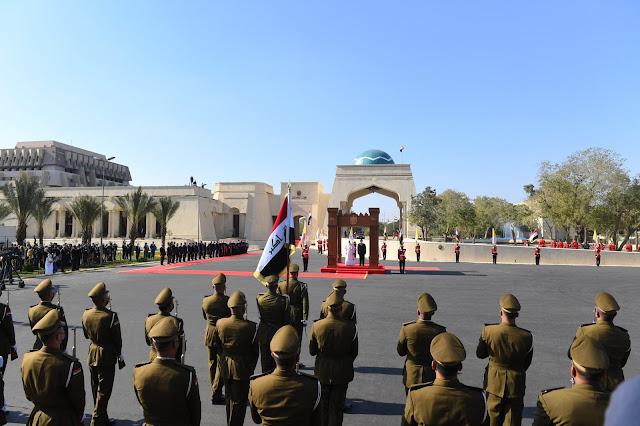 صور لليوم الاول للبابا فرنسيس في العراق.