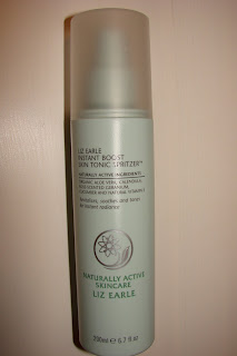 review *LIZ EARLE INSTANT BOOST SKIN TONIC*