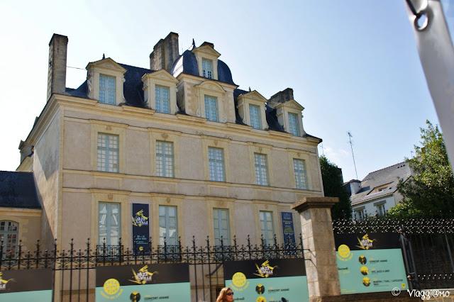 La facciata dell'Hotel de Limur, patrimonio storico di Vannes