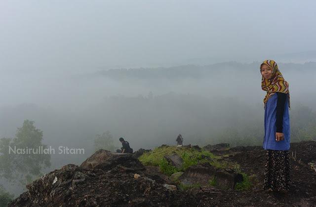 Ditemani kabut pagi