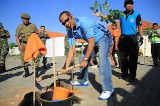 400 Pohon Hijaukan Pasar Terpadu Kota Pekalongan
