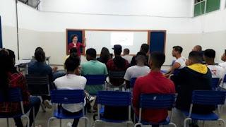 Governo da Bahia paga 1/3 do salário dos professores referente às férias coletivas de novembro