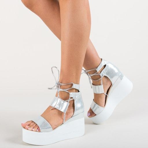 Sandale argintii cu talpa inalta moderne cu snur