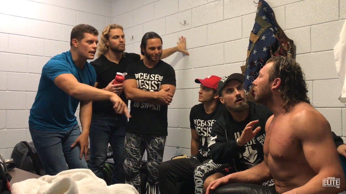"""Cody Rhodes pode estar tendo """"heat"""" com Kenny Omega e os Young Bucks"""