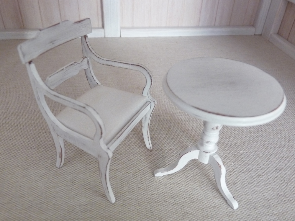 mon tout petit monde juin 2010 patine de meuble avec michelle lebouteiller. Black Bedroom Furniture Sets. Home Design Ideas