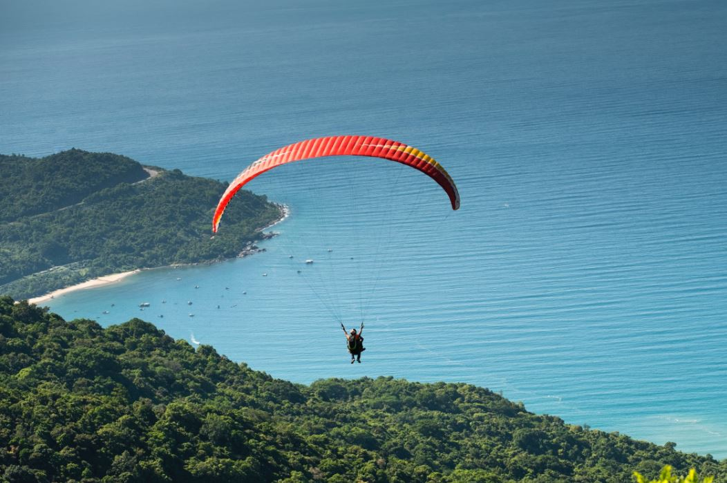 Paragliding-India's most famous Adventures Tourist Destination