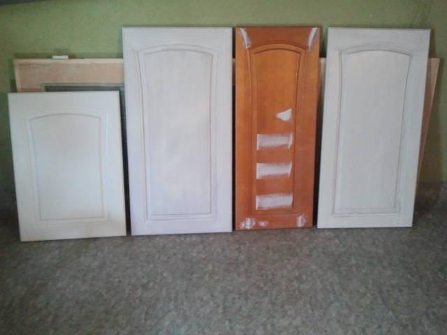 Alma-Tomu: Keittiökaappien ovien maalaus