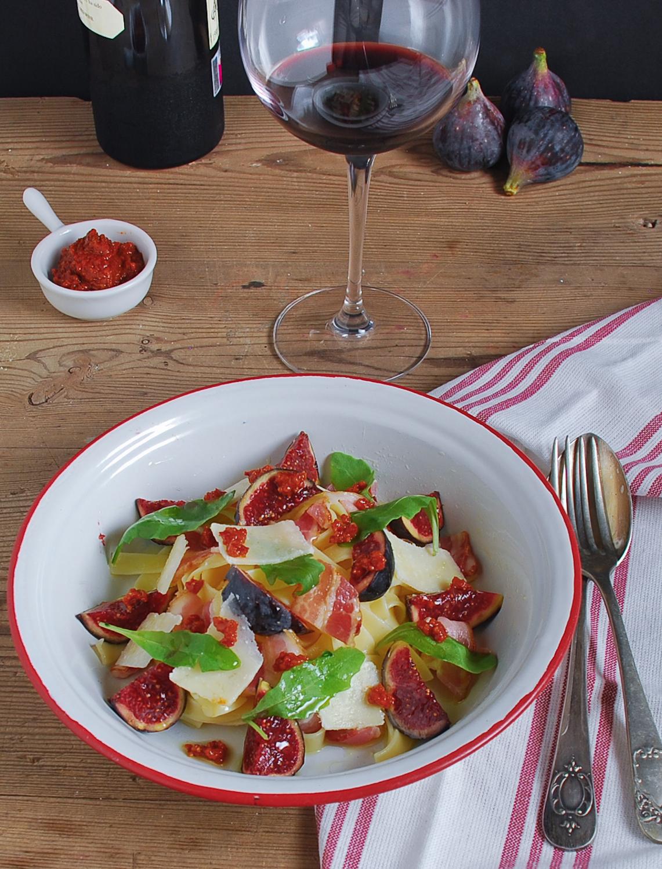 Tagliatelle con bacon higos y parmesano - El bistrot de Carmen