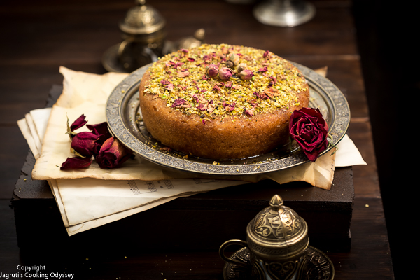 serving suggestion for semolina cake with rose