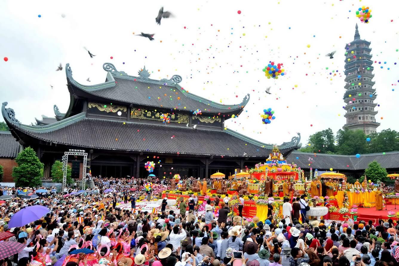 Đi chùa đầu năm bạn sẽ cầu chúc gì nào?