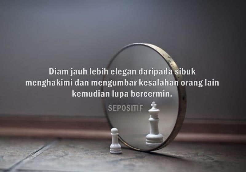 Jangan Sibuk Menilai Orang Lain Hingga Lupa Menilai Diri Sendiri