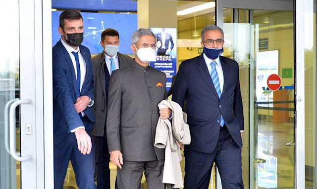 S jaishankar is welcomed in moscow