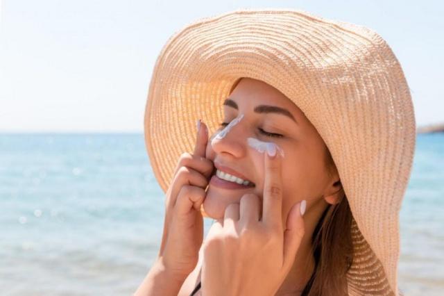 Rekomendasi Tabir Surya untuk Oily Skin