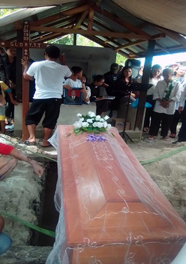 Begini Acara Pemakaman Glory.T.T