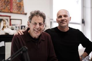 Philip Glass y Paul Barnes.